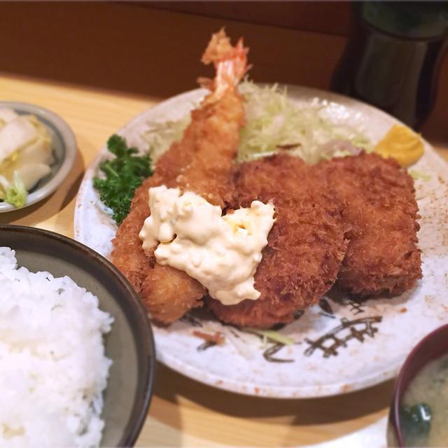 きっちん 浜家 - ミックスフライ定食(左から:海老、カニクリームコロッケ、豚ヒレ)1,300円 160713 18:21