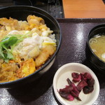和食よへい - 料理写真:桜姫鶏親子丼