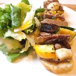 オー・グルマン - オープンサンド 1000円 の豚肉パテと野菜のオープンサンド