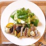オー・グルマン - <'16/07/12撮影>オープンサンド 1000円 の豚肉パテと野菜のオープンサンド