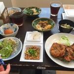 工場レストラン健食たぬみせ - 納豆揚げランチ&バイキング