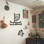 カルナバル - 自然の風合いを生かした内装
