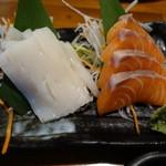 豚toko - 2016.07 イカ刺しとサーモンの2種盛り(750円)