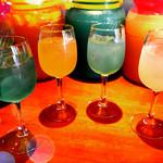 ピーチ - ドリンク写真:自家製サングリアも各種用意しております。