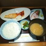 魚の旨い店 やまかわ - >゜)))彡〰 焼き魚定食♥ 刺身か肉じゃが 選べます♥ p(^-^)q