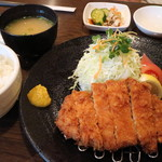 かつれつ亭 - 鹿児島産黒豚ロース定食