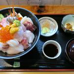 味処 佐とう - 201607 ランチの海鮮丼 1620円
