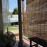 麺屋 たけ井 - 表のウエイティングスペース