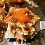 お好み焼き kate-kate - サンバルソースも掛けてみます(辛)