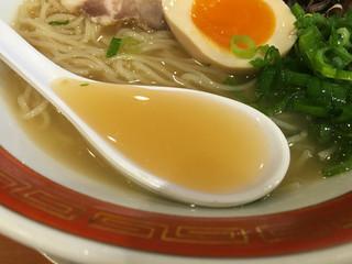 佐賀ラーメン 美登里 - 冷やし豚骨スープ