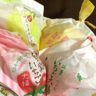 一心堂 本店 - いちご大福(粒あん)、練乳いちご、マスクメロン大福、桃大福