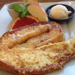 眞茶屋 - 宮古名物うずまきパンのフレンチトースト。あまーいのが食べたい時にどうぞ。