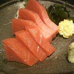 旬の魚と旨い地鶏 魚鶏屋 - マグロのお刺身