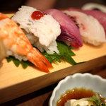 まごころや - にぎり寿司定食(1029円)