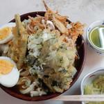 峠のうどん屋 藤屋 - 野菜天ぷらうどん600円