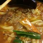 焼肉 和 - 具:牛スジ、コンニャク、ニラ、ニンジン、ネギ