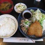 風来坊 - 国産豚の焼シャブおろしポン酢添えとアジフライ 700円