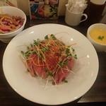 53540123 - ロービー丼にサラダとスープ 1,260円
