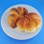 パン工房 クオーレ - クロワッサンとクリームパン