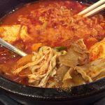 韓国料理 bibim - 牛すじスンドゥブ+半麺追加