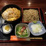 蕎麦処 朝日屋 - カツ丼セット995円