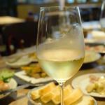 ザ・ワインバー ナカス - ワインは国産も多く、面白い品揃えです。こちらは、長野県産 クラカケ・ブラン。