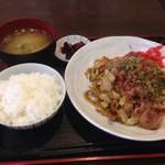 キッチンハウスマスダ - 焼きそば定食(680円)