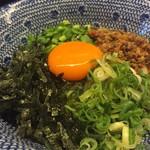 つけめん舎 一輝 - 台湾まぜそばのようで台湾まぜそばじゃない!実はこれ、台湾北京飯というご飯物!当店オリジナルです。