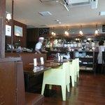 洋食katsui - 入口から見た店内