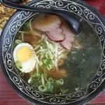 ニュー楼蘭 - 料理写真:半チャンセット720円のラーメン(単品なら450円)