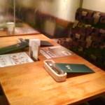 洋食麦星 - [内観] 店内 テーブル席 ①
