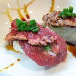麺屋でんでん - 料理写真:牛たたき(にぎり)2貫300円