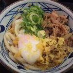 丸亀製麺 - 肉玉ごぼうぶっかけ