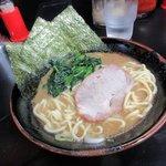 横浜家系ラーメン 大天空丸 - 醤油ラーメン2016.07.15