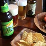イザカヤ キャリフォルニア - ビールとナチョス