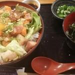 堂島とろ家 - 七種の海鮮ユッケ風