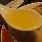 海老秀 - 透明感があるスープ