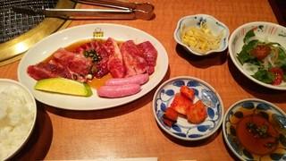 本家とらちゃん 鶴橋駅前店