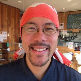 店主の松原です。元気なスタッフと、笑顔満開でお待ちしてます!