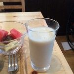 iro-hana かふぇ食堂 - 豆乳とフルーツのドリンク