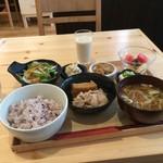 iro-hana かふぇ食堂 - バランス定食1000円です