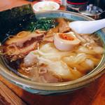 53636885 - 中華ワンタン麺900円