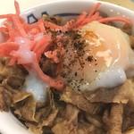 松屋 - プレミアム牛丼ミニに半熟たまごをトッピング(^_^)