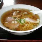 食事処青峰 - 料理写真:ラーメン 580円