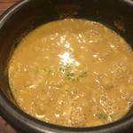 しゅういち - つけ麺スープはいしなべに入ってグツグツ