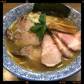 煮干しつけ麺 宮元 - 極上煮干しチャーシューそば 980円