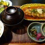 いけ田 - チャリハイピン定食