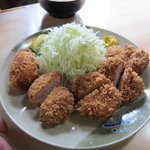 おさむ - 料理写真:ヒレカツ定食900円(100g)+カキフライ300円