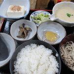 そば処 白糸の滝 - 麦とろ蕎麦定食
