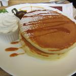 コラソンカフェ - 塩キャラメルパンケーキ 600円